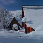 Lodge bajo la nieve / O Lodge na neve / The Lodge in the snow