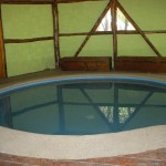 Piscina temperada / Piscina aquecida / Heated swimming pool